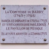 Plaque commémorative de Madame du Barry à l'entrée de son...